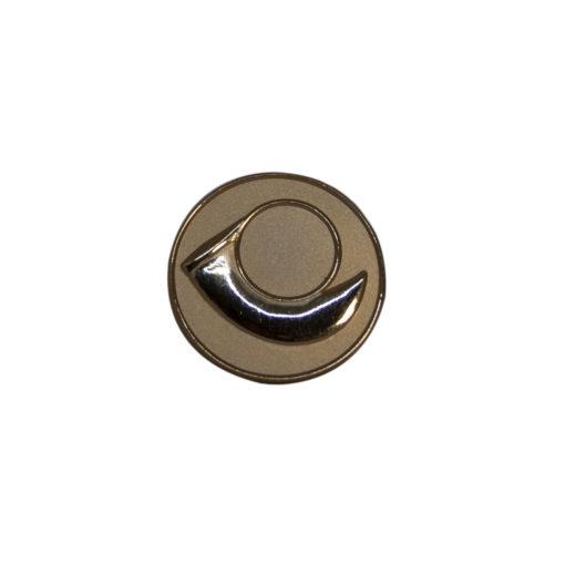 Metalemblemer og pins